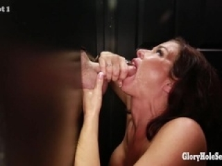 Gloryhole Secrets Veronica Avl...